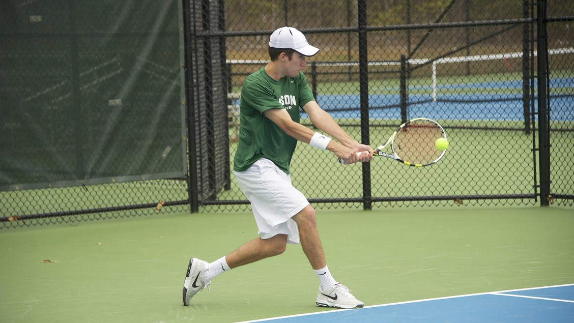 Men's Tennis Drops Edinboro